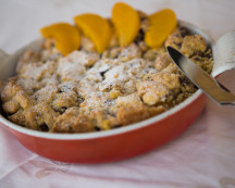 Crumble peach cake
